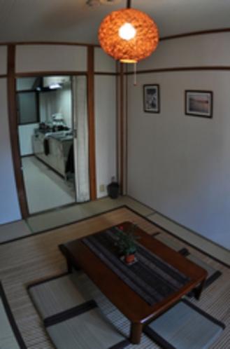 2階客室とキッチン