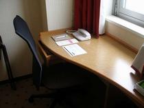 客室テーブル