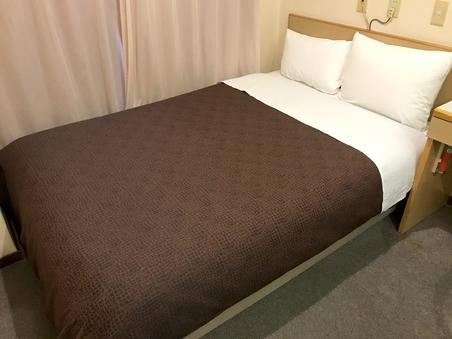 【禁煙ダブル】1室2名利用 セミダブルベッド♪