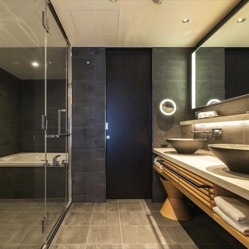 【アッパーフロア】プレミアムキャッスルビューツインルーム:バスルーム