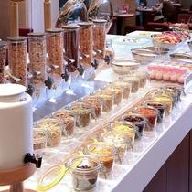 カフェレストラン【COZY】朝食和洋ブッフェ