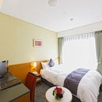 シングルルーム16平米ベッド幅140cm