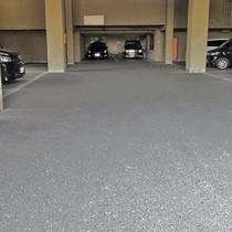 無料屋根付き駐車場