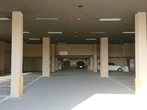 屋根付き駐車場完備!