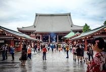 浅草観光名物、浅草寺まで宿から徒歩3分!