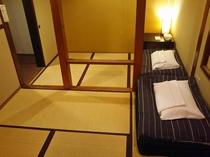 ツイン和室【トイレ、シャワー、洗面台完備】