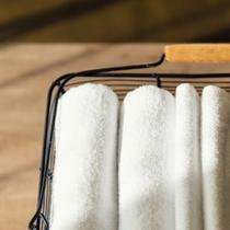 【客室アメニティ】タオルはバスタオルとフェイスタオルの2種類ご用意してます。