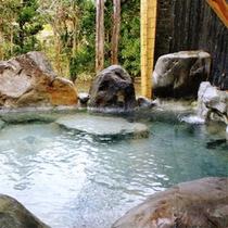 岩づくり 露天風呂