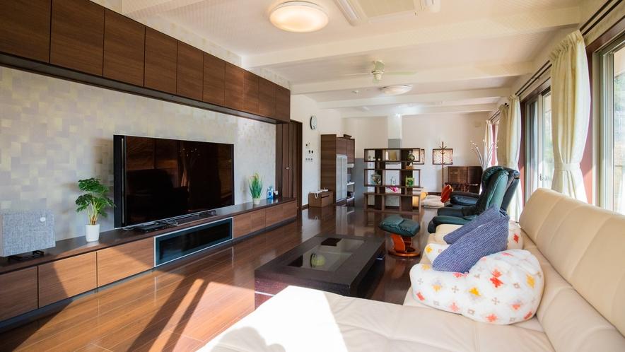 別邸:70型テレビをはじめ、DVDプレイヤー設置