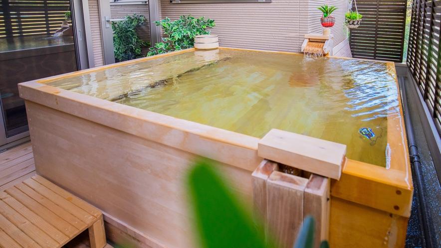 別邸:100%源泉かけ流し/ヒノキ半露天風呂付き