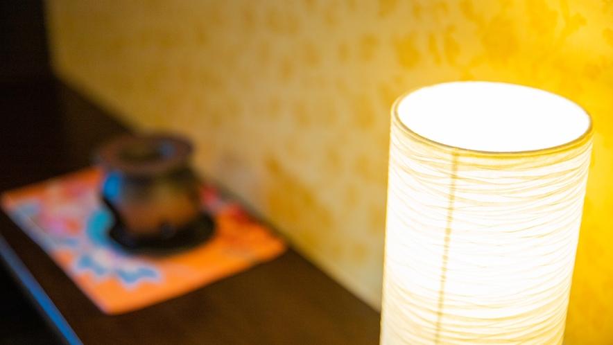 半露天檜風呂付ツイン:装飾品・小物にまで拘った客室です