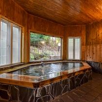**【貸切風呂】開放的な六角風呂です※予約不要/温泉ではありません