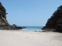 300メートル手前の碁石が浜はCMや雑誌、映画の撮影スポット