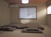 別館二階 6畳寝室