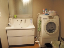 別館 洗面所 洗濯機