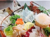 スズキと真鯛、伊勢海老、平貝、ミル貝の御造り