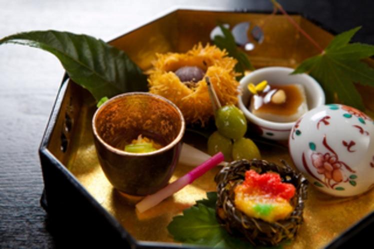 【膳菜】秋刀魚柚庵焼 昆布籠に新銀杏と紅葉麸 青味大根味噌漬 葉地神
