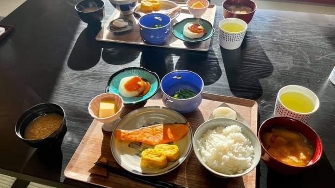 【冬の味覚・ブリしゃぶ鍋と釜めし】冬が旬のブリをしゃぶしゃぶで!鶏・牡蠣・蟹から選べる釜めし