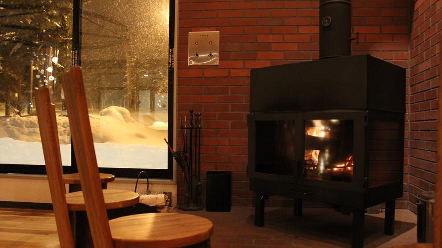 【ロビー】暖炉