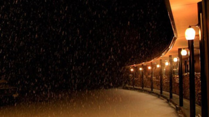 【施設】深々と降り積もる雪