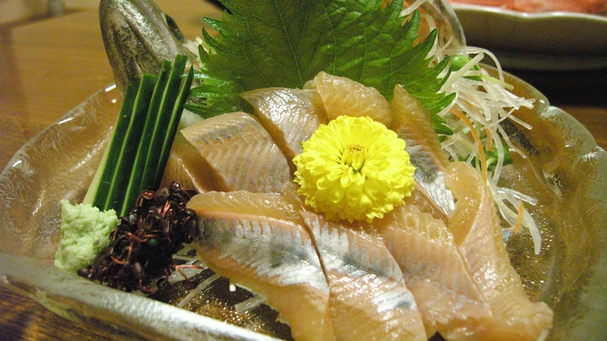 *川魚のお造り(天然ものも川魚を使っております)