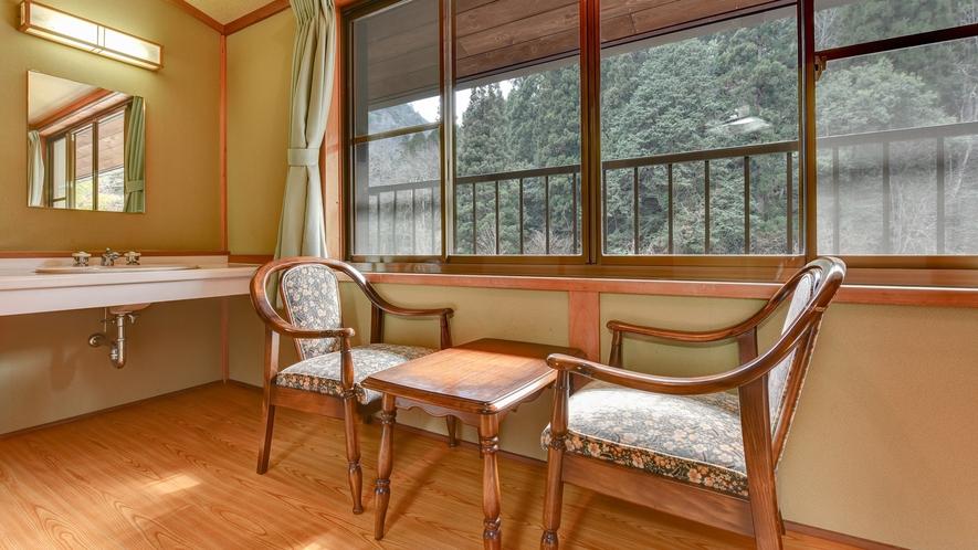 *別館 和室/窓から望む景色を眺めながら、ごゆっくりどうぞ