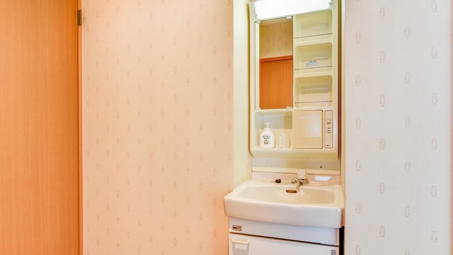 *新館 和室/洗面設備のあるお部屋となっております