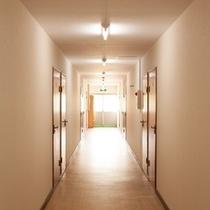 【宿施設】客室への廊下部分
