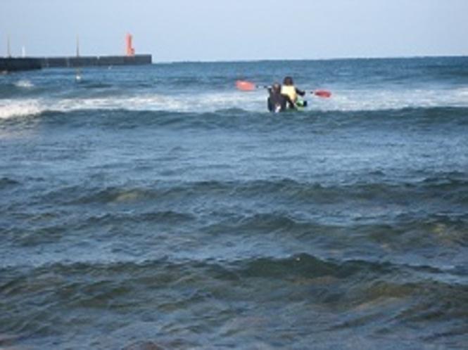 カヌーサーフィン