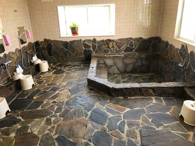 広々とした大浴場