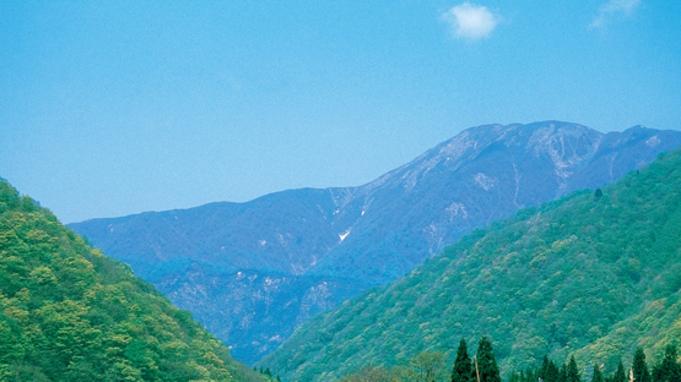 【日本百名山『荒島岳』登山プラン】≪特典付≫朝食5時半〜!天然温泉でリフレッシュ♪