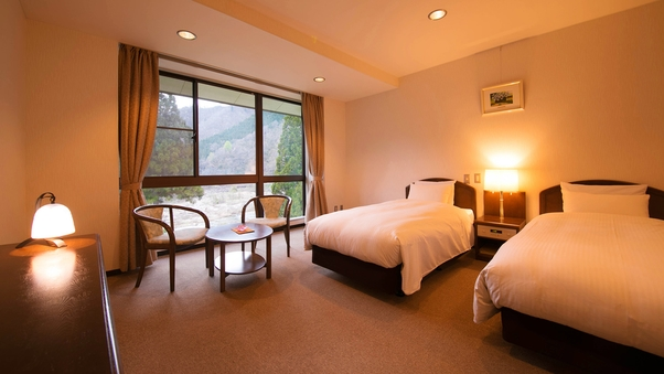 ◆ツインルーム◆窓からの山並に癒される