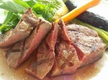 お肉料理イメージ4