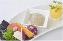 前菜:鎌倉野菜のバーニャカウダ&人参のムース
