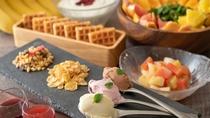 【朝食バイキング】グラノーラやヨーグルト、フルーツもどうぞ♪ ※イメージ