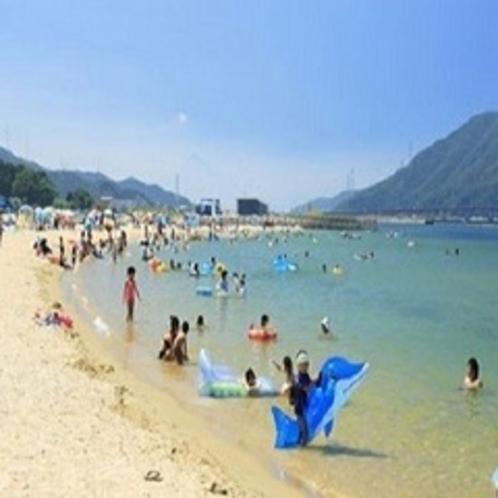 長井浜海水浴場(当館〜車で約15分)