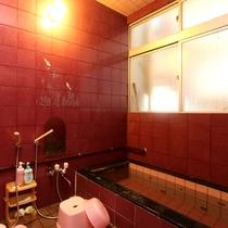 風呂は、ジェットバスで男性用と女性用と各1か所ずつございます。
