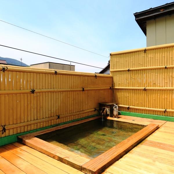当館では、渋温泉の3つの源泉をブレンドしています。