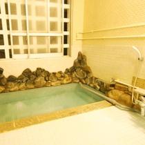 内湯&露天風呂 24時間いつでもご利用いただけます。