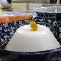 *【朝食一例】自家製じーまみ豆腐