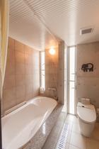 2F 浴室(ユニットバス)
