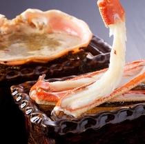 ぷりぷりの身と日本酒とぴったりの蟹味みそ(松葉蟹焼きイメージ)
