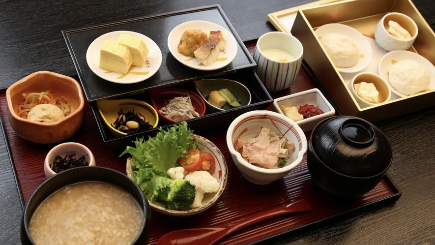 ◆京のおばんざいと季節の胡麻豆腐のはんなり茶粥膳