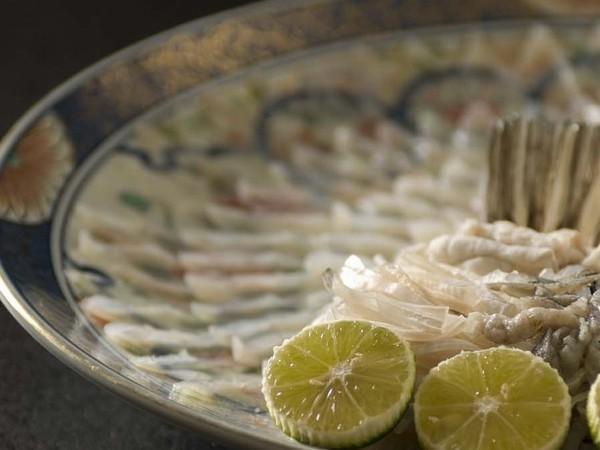 河豚薄造り大皿盛り