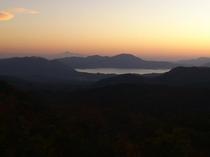 夕焼けと田沢湖