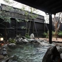 露天風呂一例