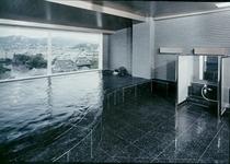 隣接するカンパーナホテル展望大浴場