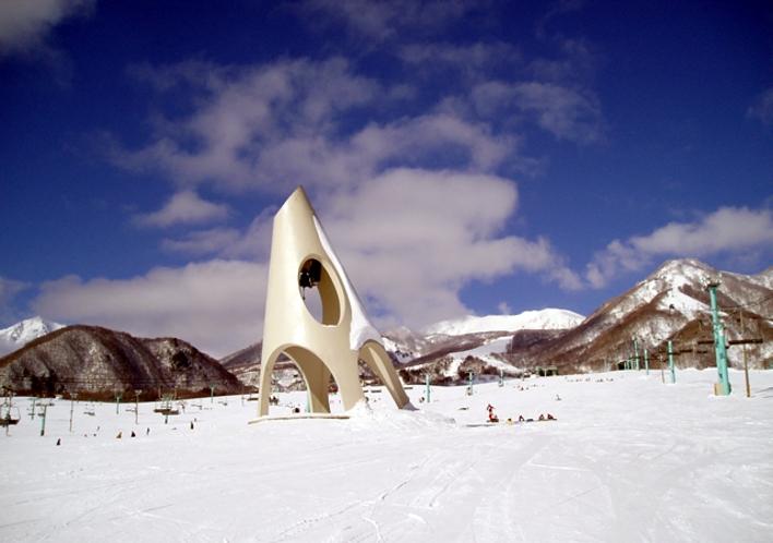 栂池高原スキー場 鐘の鳴る丘の様子