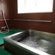 *風呂/館内に男女別のお風呂がございます。