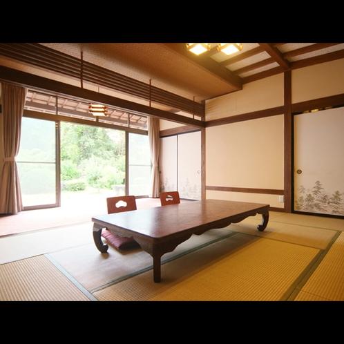 ★*和室10畳+広縁付きのお部屋でのんびりとお過ごしください
